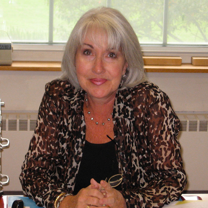 Noreen Sacca, Educator